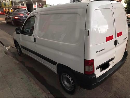 peugeot partner 1.6 hdi furgon confort 2019 liquido. fact a