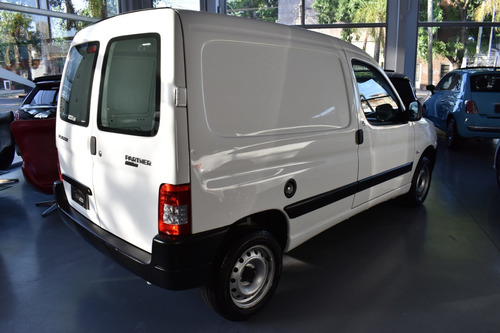 peugeot  partner  2015  1.4 furgon presence aa
