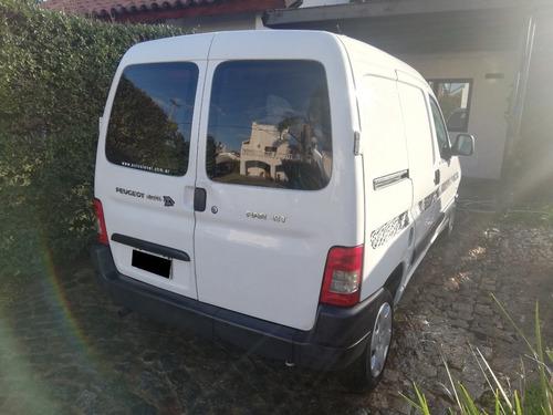 peugeot partner furgon 1.4 c/gnc full c/porton lat. 2013