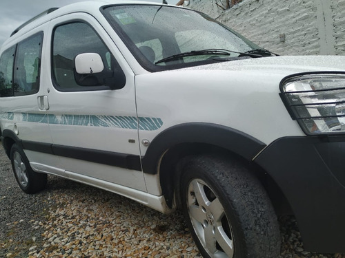 peugeot partner patagonica 1.6hdi vtc plus l/10/17 2015