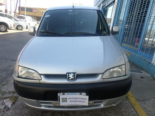 peugeot partner patagónica 1.8 `01