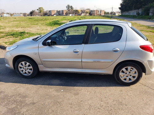 peugueot 207 compact 1.4