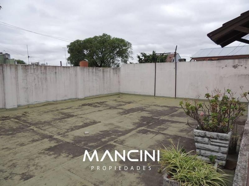ph 2 amb. c/ terraza y patio - villa ballester