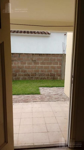 ph 2 ambientes al frente  con patio- ituzaingó