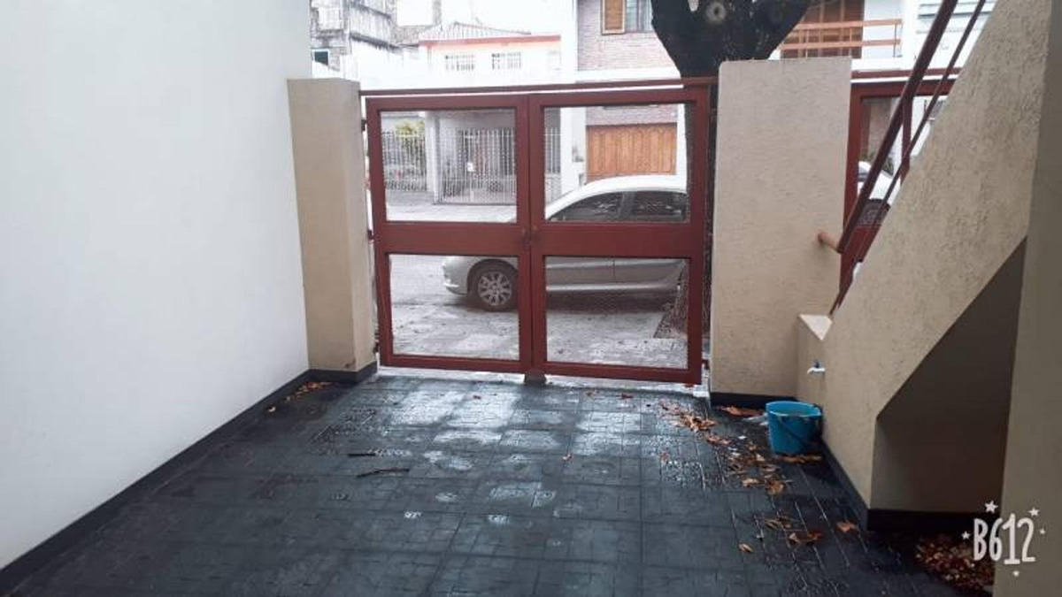 ph 2 ambientes, cochera y patio