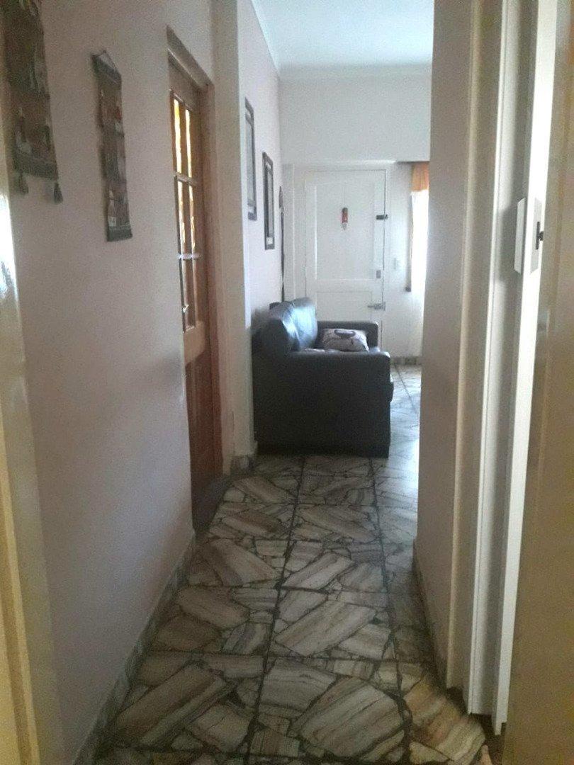 ph 2 ambientes con cochera cubierta en venta. patio. zona punta mogotes.