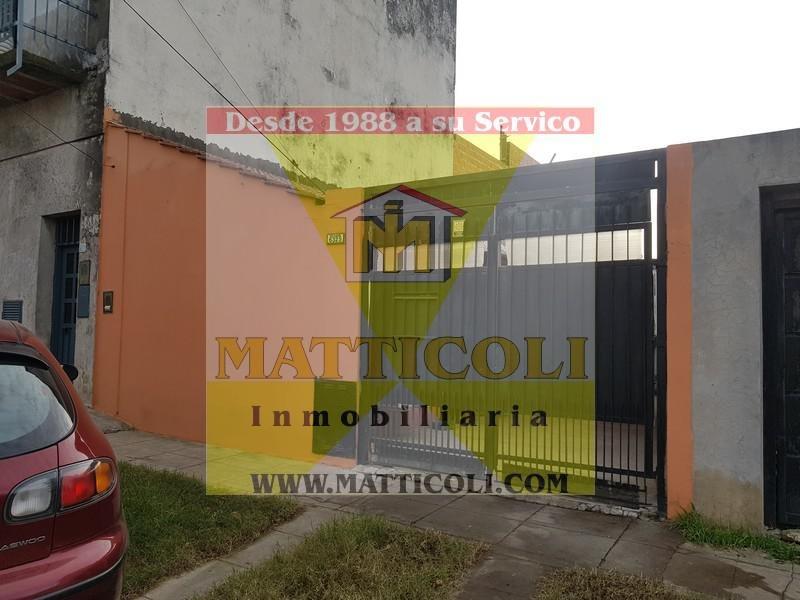 ph 2 ambientes con gran patio/garaje en villa ballester