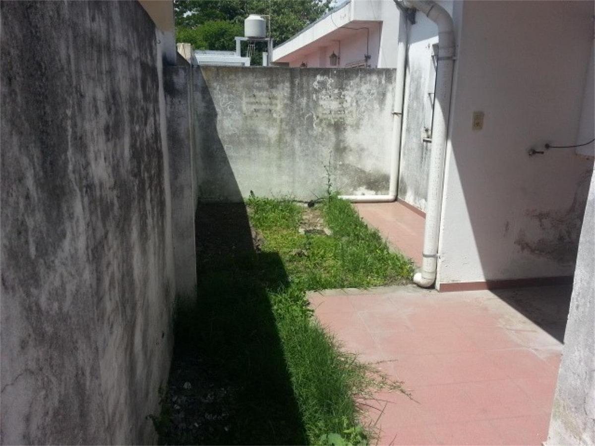 ph 2 ambientes con patio en merlo