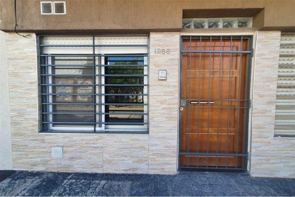 ph- 2 ambientes con patio - planta baja