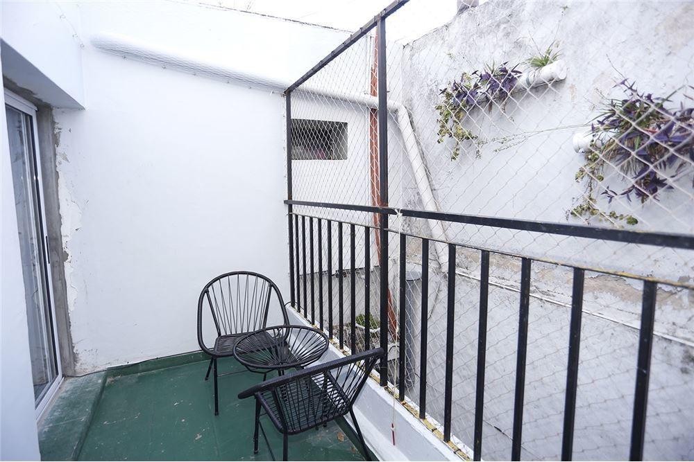 ph 2 ambientes flores  sin expensas con balcón