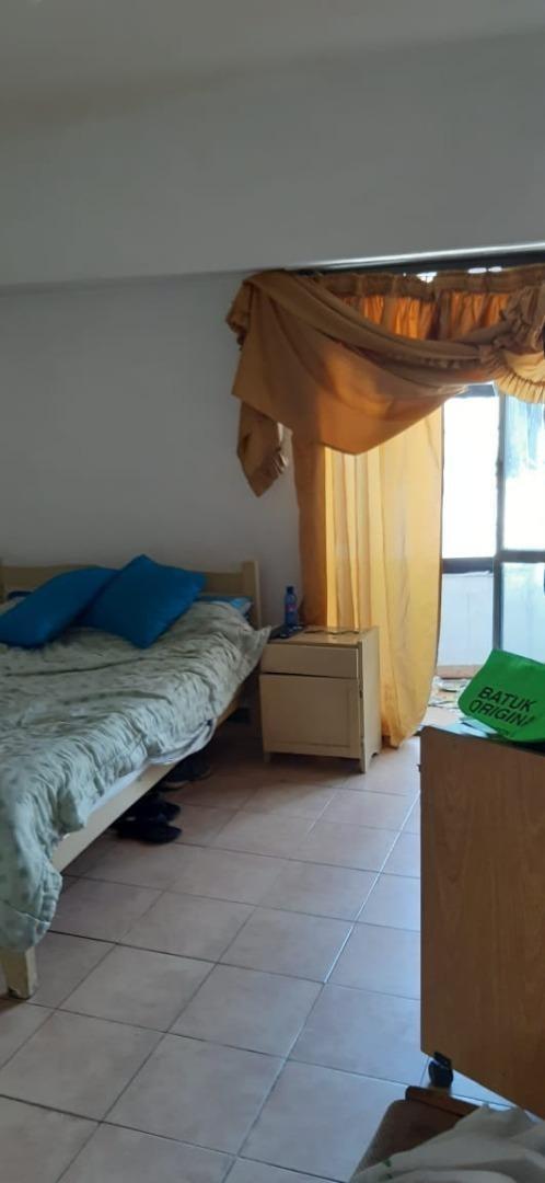 ph 2 ambientes frente balcón entrada independiente mas local