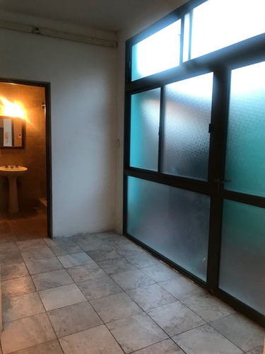 ph 2 ambientes por pasillo. inmejorable entorno.