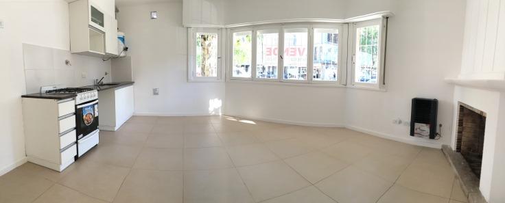 ph 2 ambientes todo a la calle con sótano (de 40 m2). zona nueva terminal