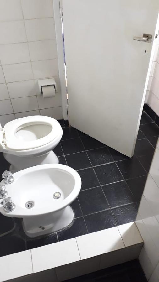 ph 2 dormitorios al frente y 65 mts 2 -sin expensas  - la plata