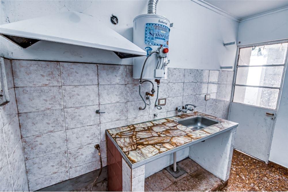 ph 2 dormitorios y patio a reciclar la plata