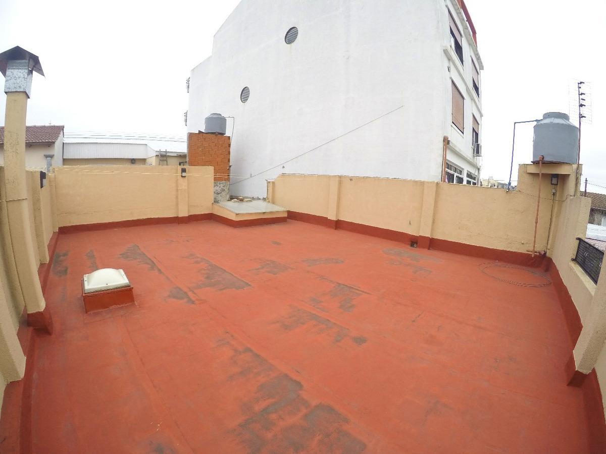 ph 3 amb con 2 patios y terraza refaccionado a nuevo!