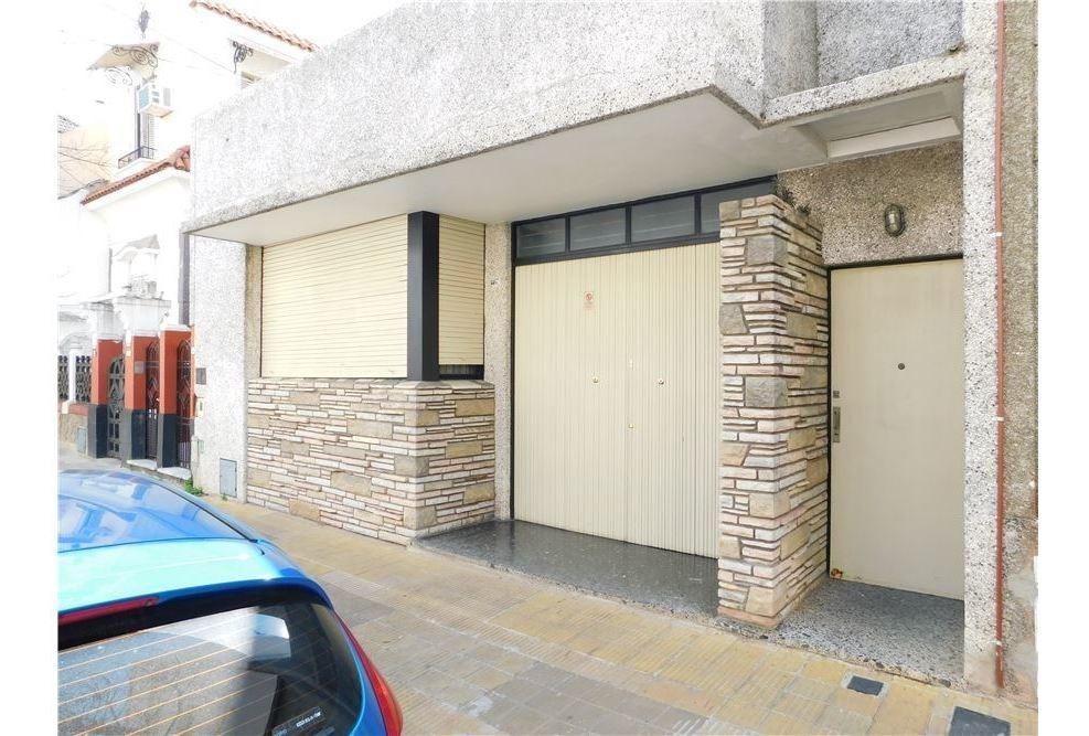 ph 3 amb. planta baja c/patio y terraza reciclado