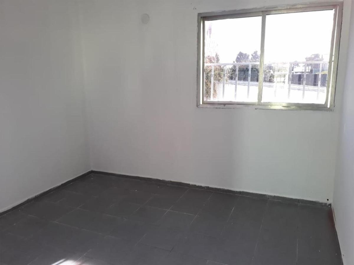 ph 3 amb primer piso con amplio patio - villa ballester