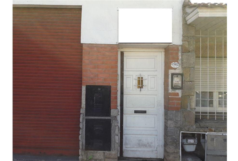 ph 3 ambientes barrio san juan con patio
