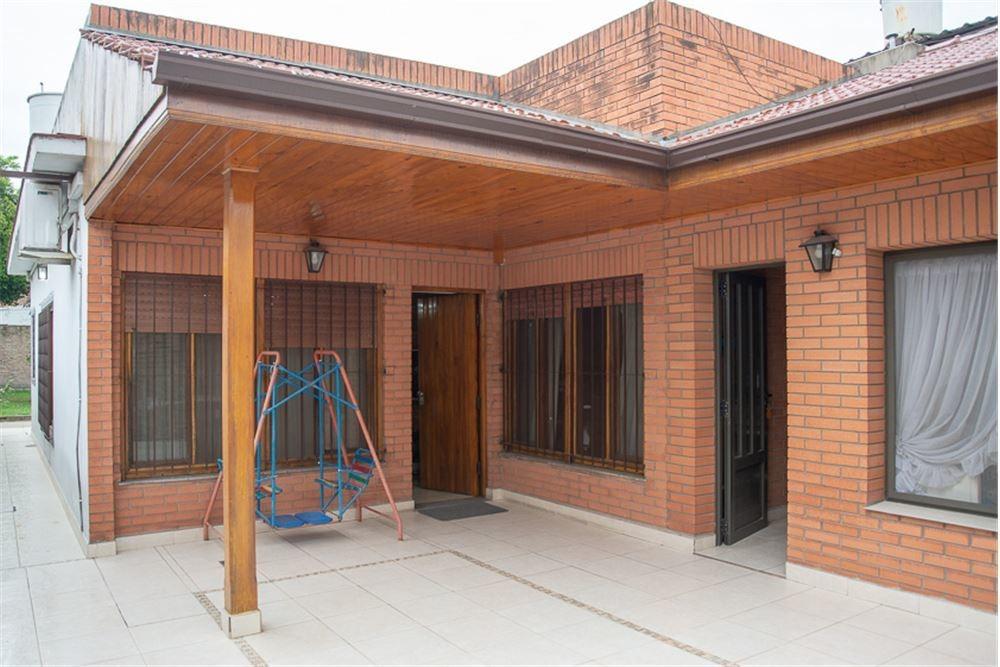ph 3 ambientes c/ patio,parque ,terraza y lavadero