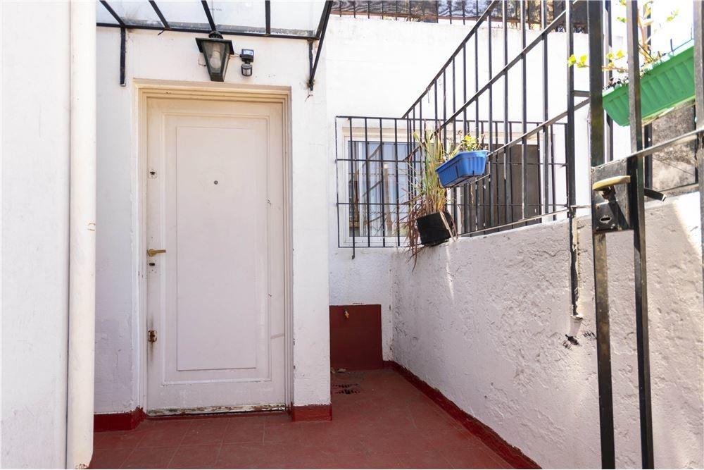 ph 3 ambientes con dependencia+terraza y patio