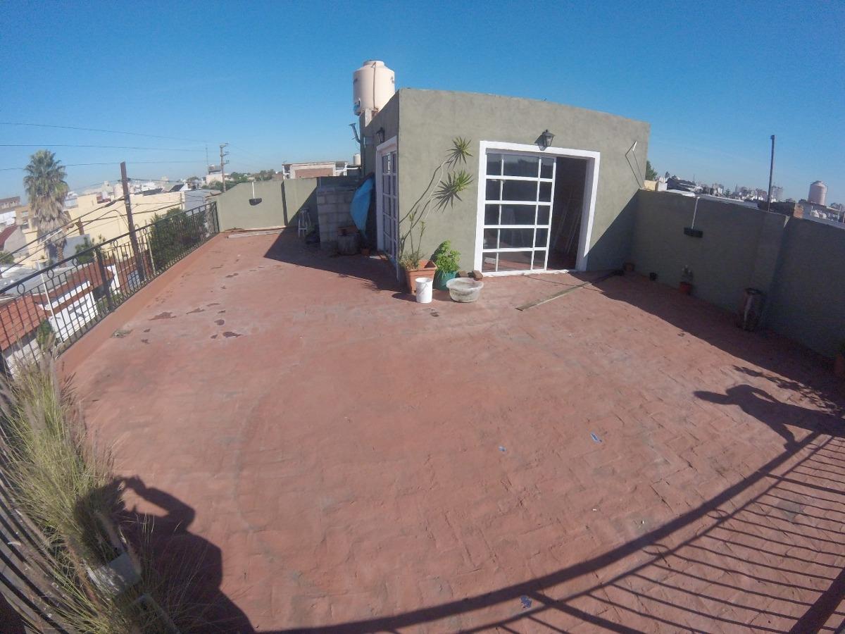 ph 3 ambientes con terraza propia // 12 de octubre 682