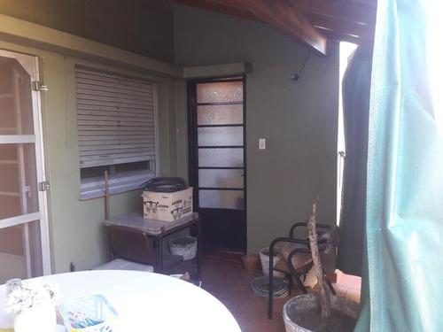 ph 3 ambientes en primer piso al frente y contrafrente en larrazabal al 700.
