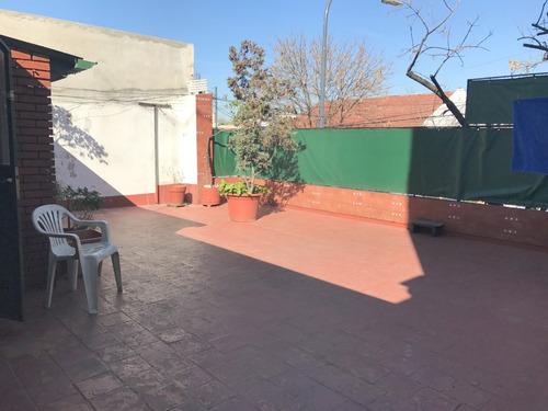 ph 3 ambientes frente,patio, quincho,terraza,parrilla.