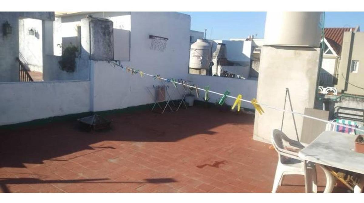 ph 3 ambientes muy luminoso con patio y terraza en caseros n