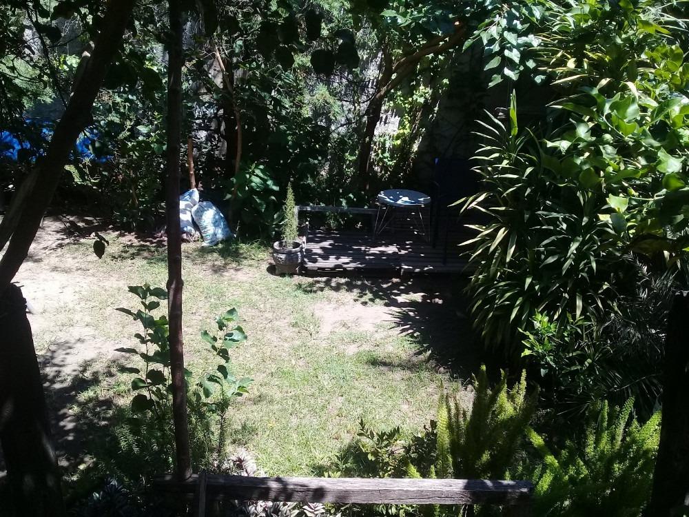 p.h 3 ambientes planta baja al frente patio propio y comun