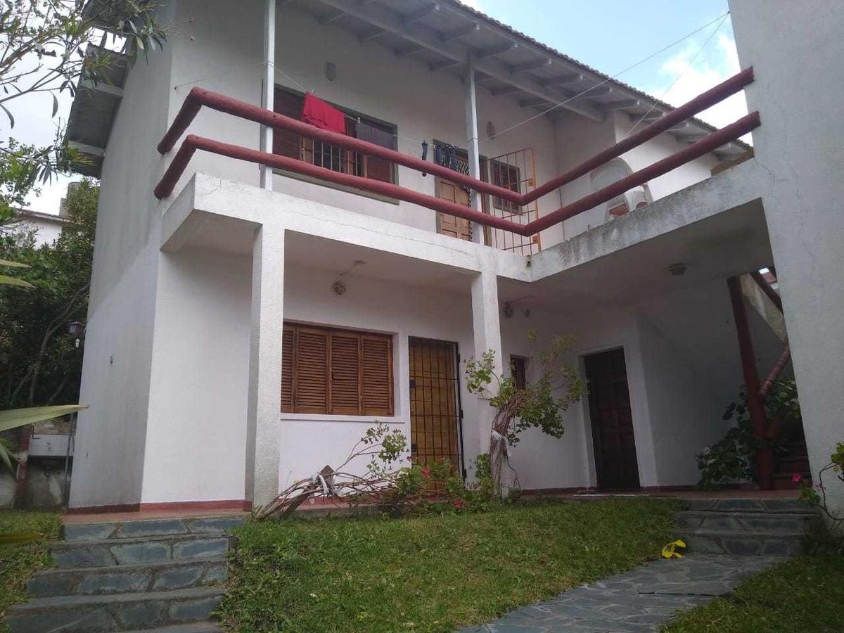 ph 3 ambientes sin expensas, villa gesell centrico (permuta)