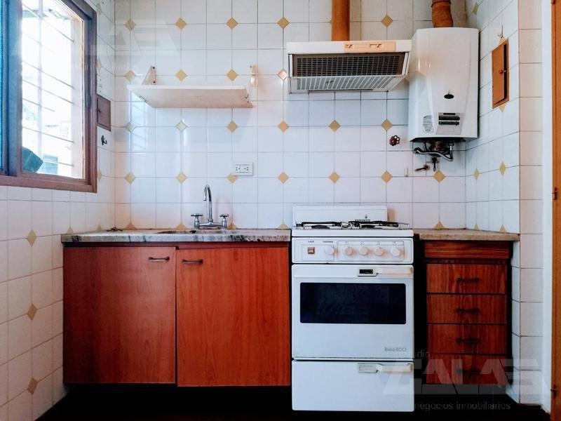 ph 3 dormitorios en venta con cochera - ituzaingó