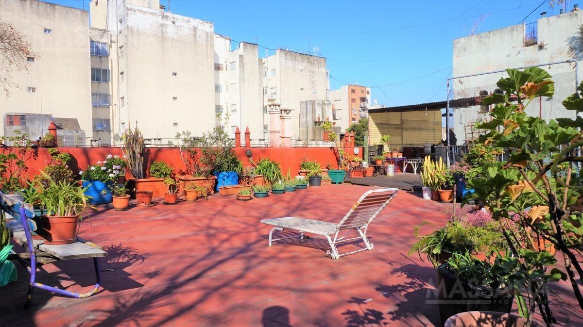 ph 300m2 con terraza - bajas expensas - almagro