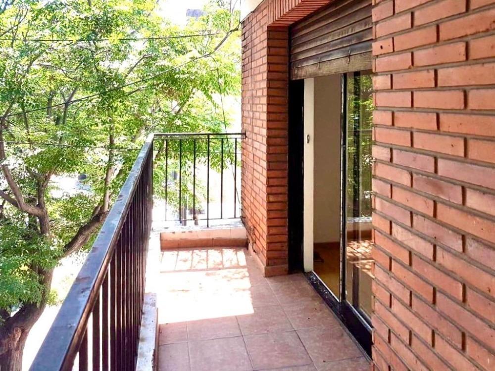 ph 4 amb al frente, balcón, terraza, patio, lavadero. dueño