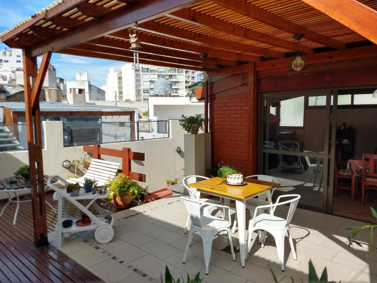 ph 4 amb con patio y garage