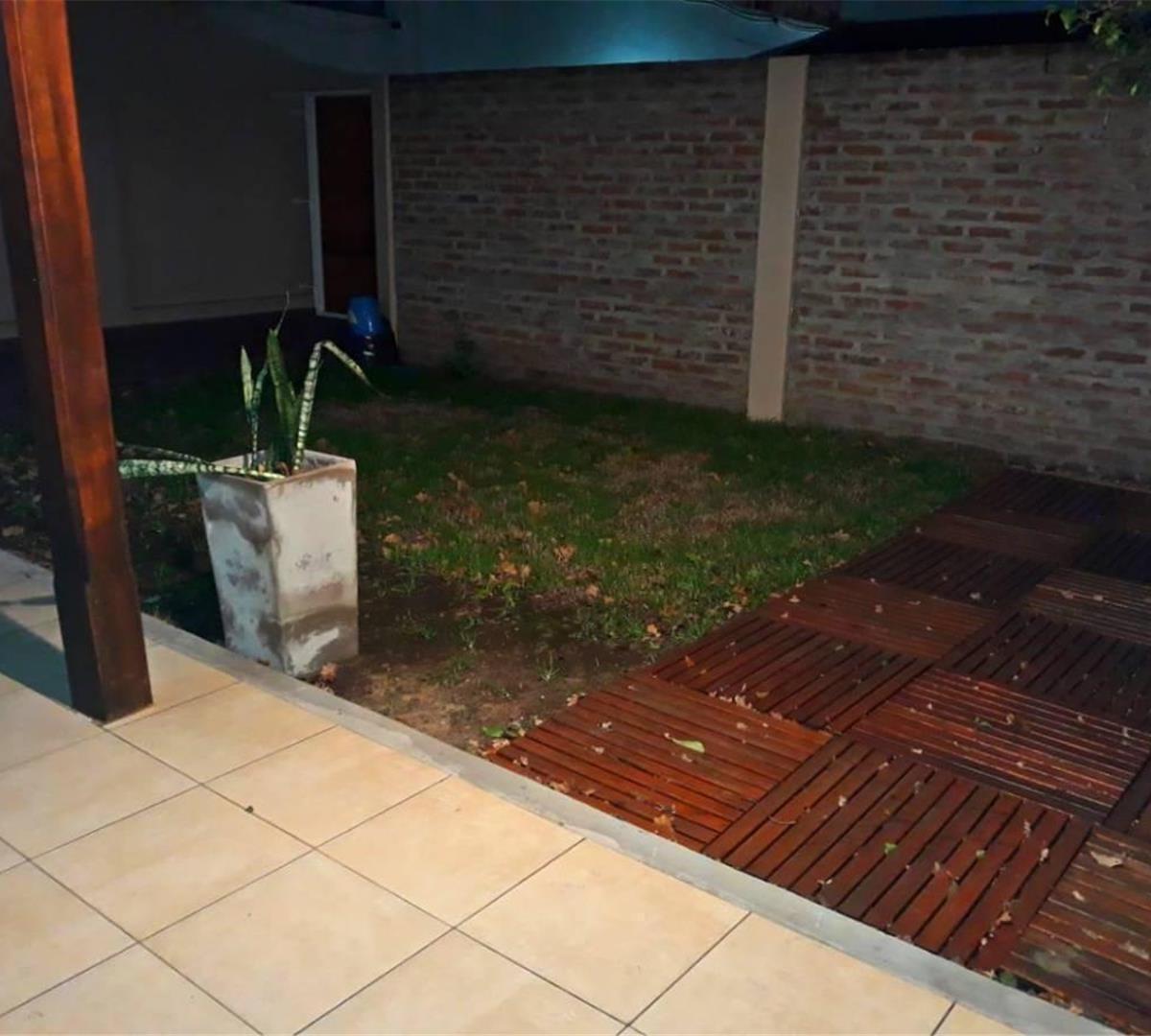 ph - 4 amb - planta baja interno - ¡ con jardín al frente !