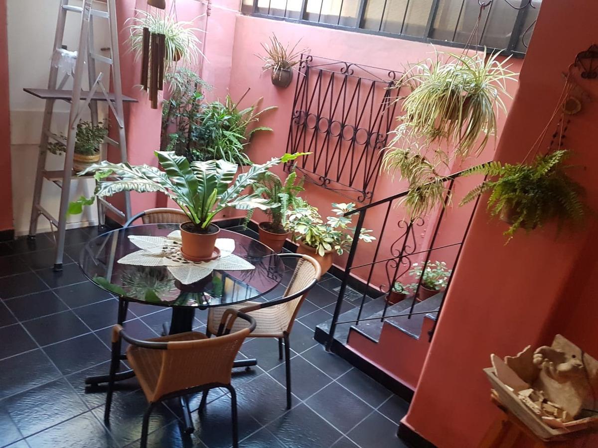 ph 4 ambientes c/ patio, terraza y quincho.