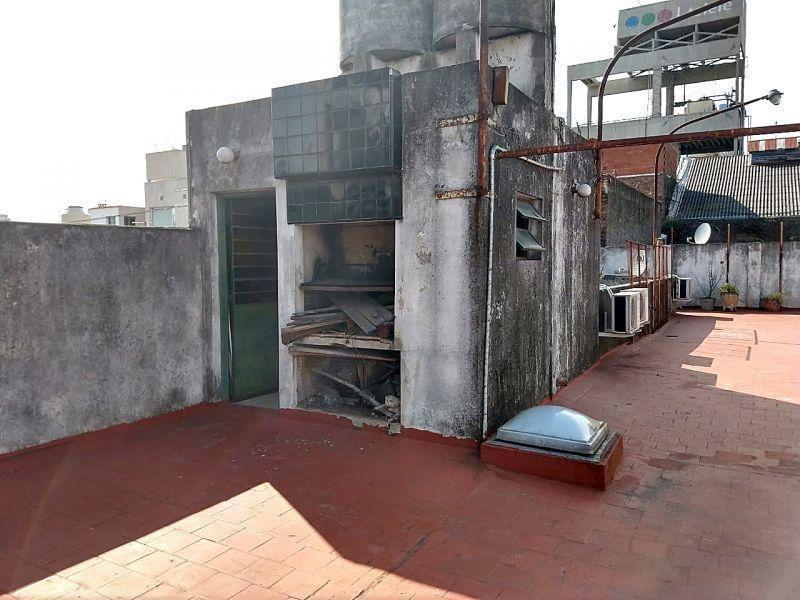 ph 4 ambientes con amplia cocina y patio-sin expensas