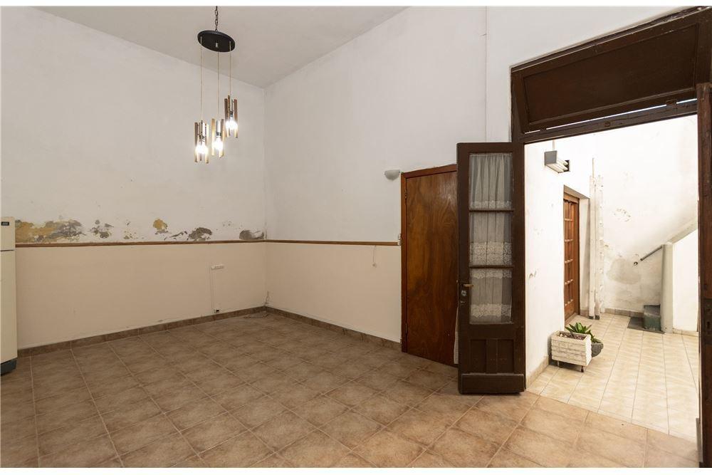 ph 4 ambientes con patio venta caballito