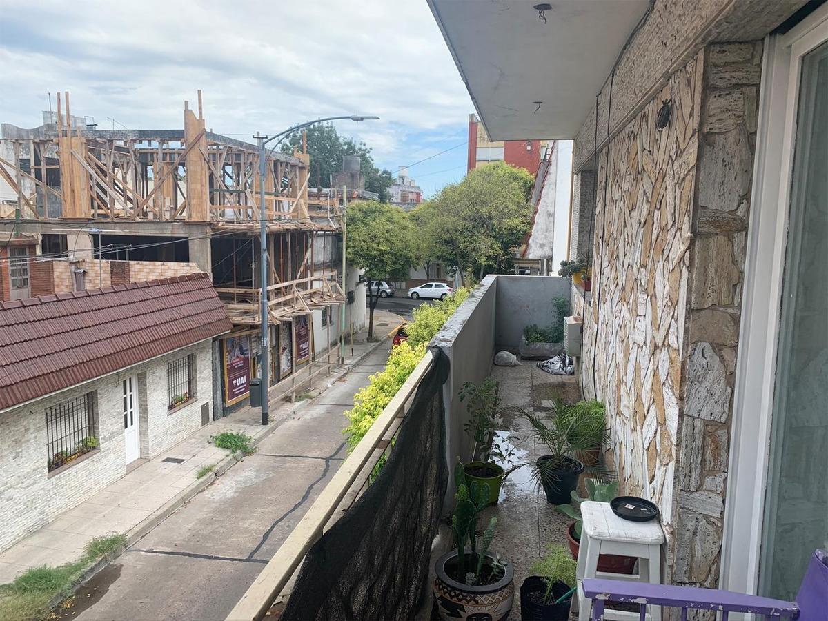 ph 4 ambientes mas terraza y patio