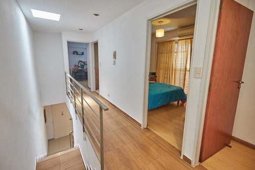 ph 4 ambientes sin expensas con cochera, patio y balcón