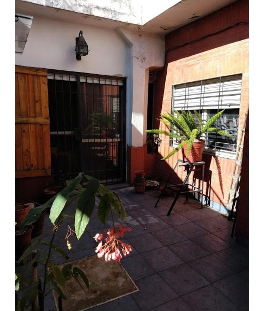 ph 4 ambientes todo en planta con patio. para aprovechar!!!