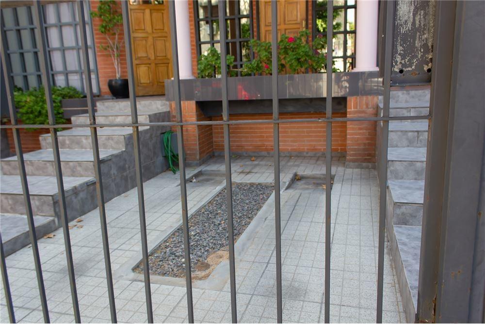 ph 5 ambientes boedo con quincho y jardin