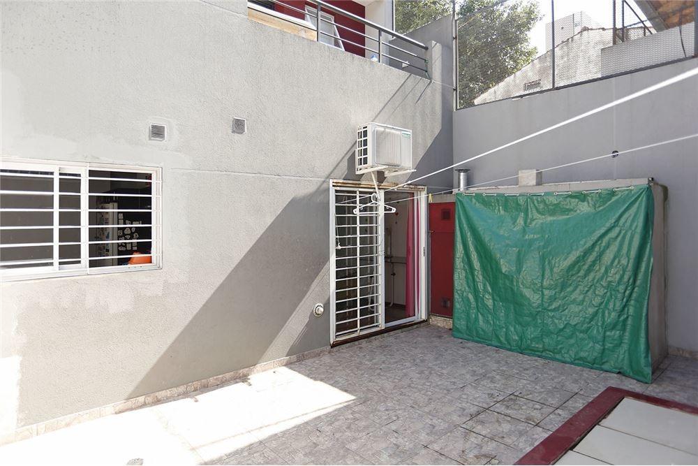 ph 5 ambientes, planta baja, patio y cochera