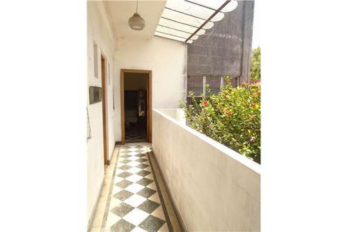 ph 6 ambientes con cochera y terraza con parrilla