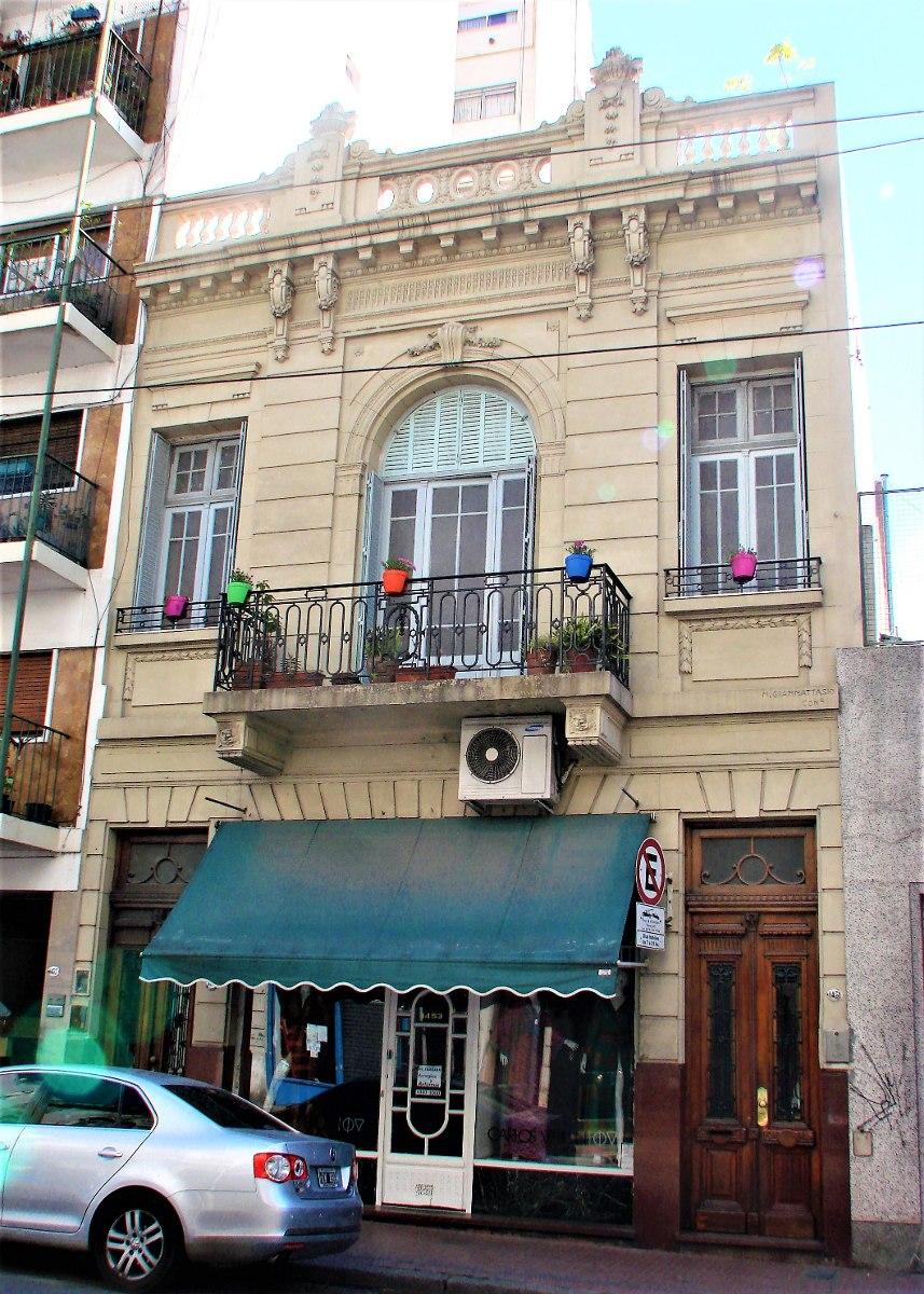 ph 9 ambientes con terraza y entrada independiente