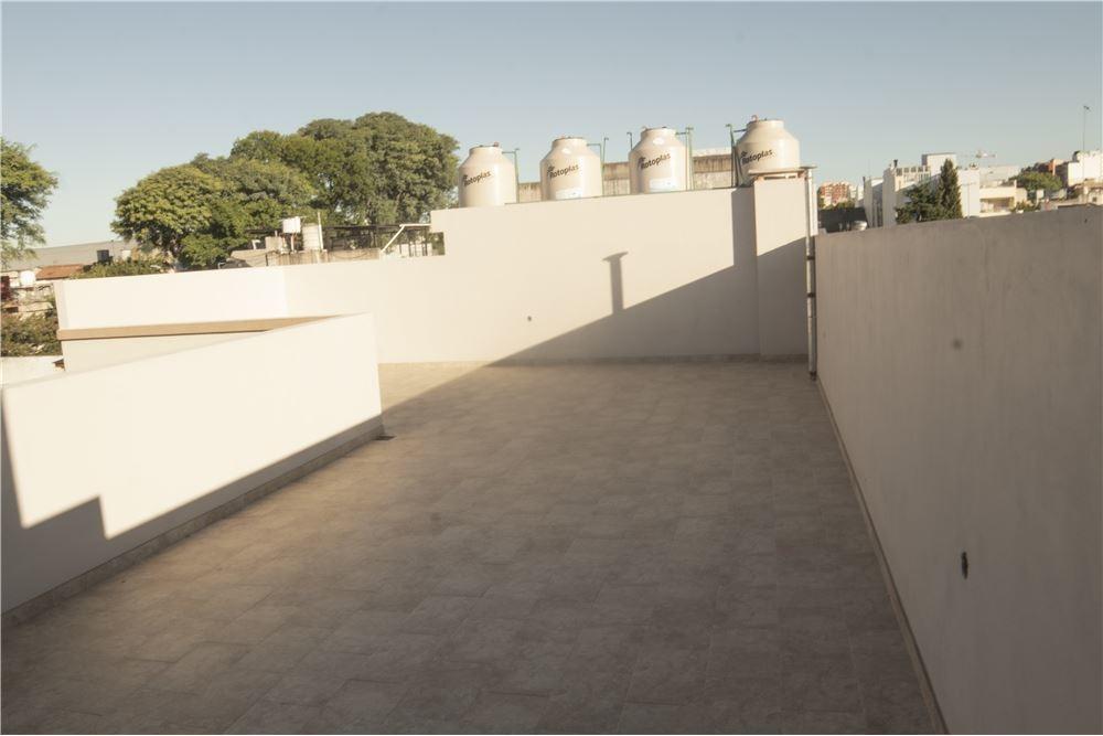 ph a estr,/terraza prop./1°piso x esc/3amb/v.urq
