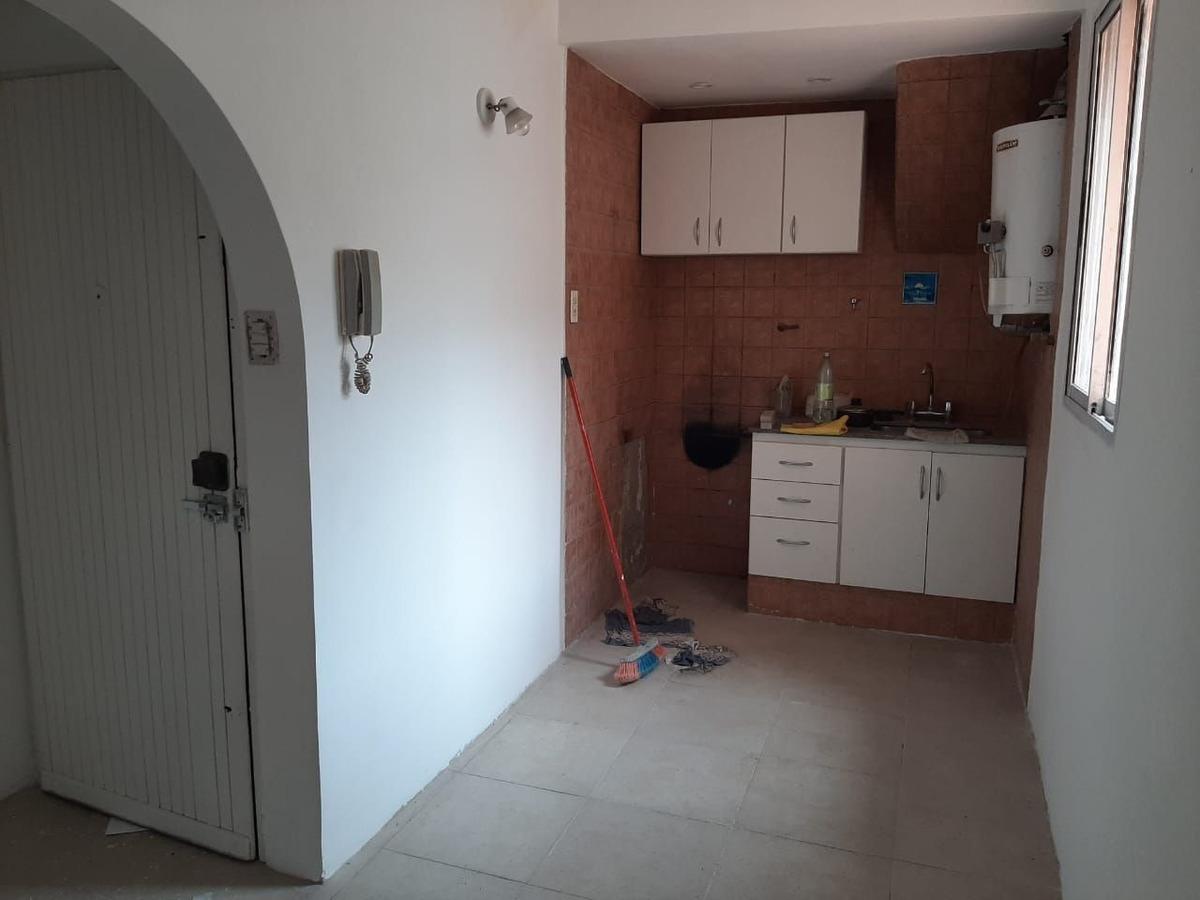 ph a refaccionar en venta de 1 dormitorio en boedo. av. san juan al 3300