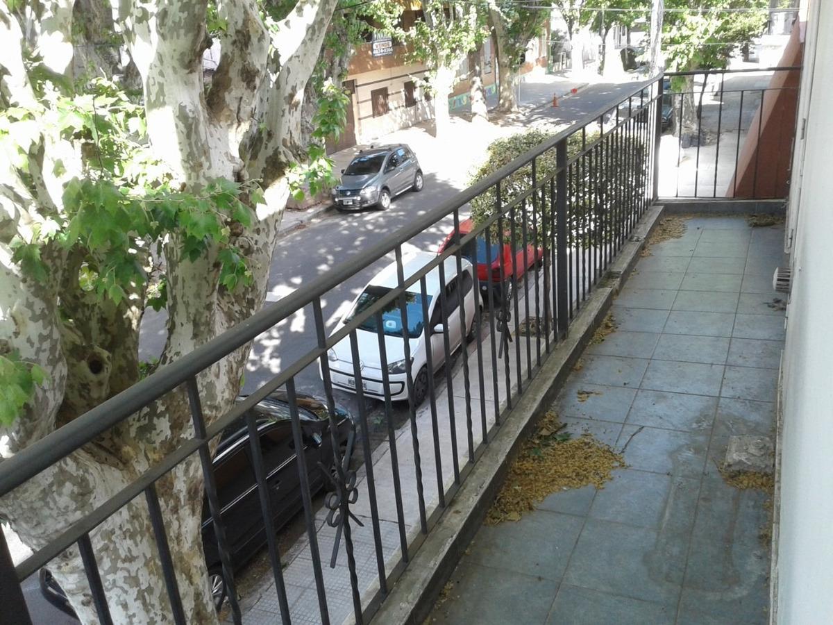 ph al frente 4 amb, gje 2 plantas , patio, tza