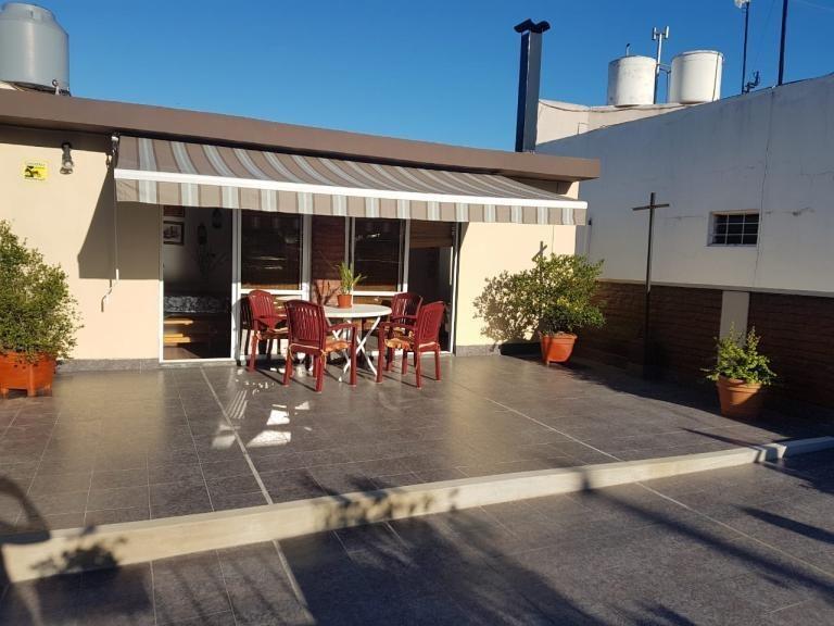 ph al frente 4 ambientes c/ patio, terraza y quincho.